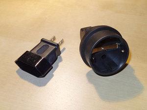 Steckdosenadapter US-Stecker auf Euro-Buchse
